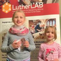 Emma und Lotta besuchen das LutherLAB…